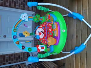 Exersaucer/bouncer.