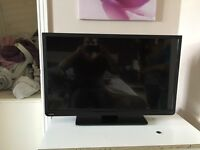 Toshiba 32 inch LCD Colour TV - Excellent Condition