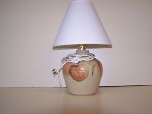 GREG'S ANTIQUES and COLLECTABLES - LAMP