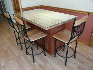 Butcher block / Island / Table with storage