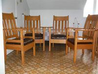 4 fauteuils de style mission en chêne clair