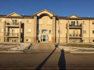 2 Bedroom 2 Bath Condo for Rent in Tofield Available Now!