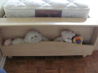 Girl's Trundle Bed