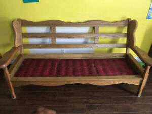 Hardwood couch and 2 matching chairs (NEED GONE)