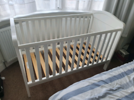 Cot for babies and toddlers