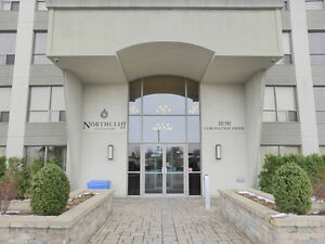 LUXURY LIVING IN HYDE PARK - QUICK POSSESSION - AWESOME PRICE! London Ontario image 2