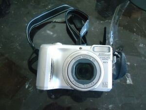 NIKON COOLPIX 4800 Camera and Accessories