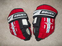BAUER HOCKEY GLOVES 14 inch