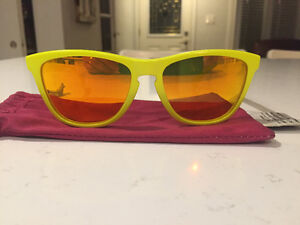 Oakley Frogskins *limited edition* London Ontario image 2