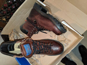 J.B. Goodhue Workwear Men's Safety Boots (size 11)