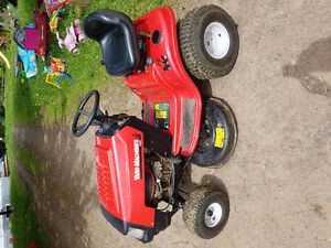 13.5 hp LAWN TRACTOR