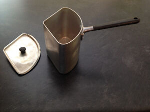 Rare vintage Crown and Merton triangular pot