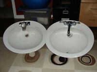 oval sinks with faucet