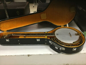 """70'S ARIA BANJO """"LEAVE AND BOWS WITH CASE"""