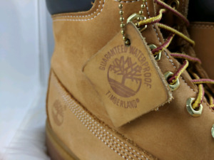 TIMBERLANDS SIZE 11.5 INCLUDES BOX