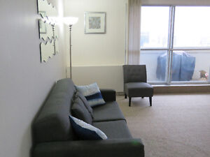 Downtown, 2 bedroom Apartment June 1st Avail.