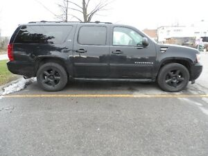 2007 Chevrolet Suburban LTZ,  Extended Model,  Fully Optioned !!