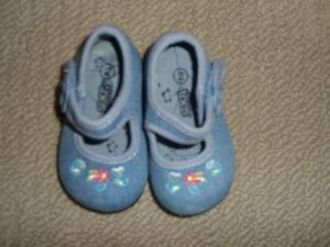Baby Girl's Shoes size 2