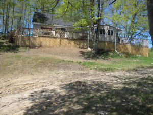 Year Round Waterfront Home/Cottage! 20 Min to Kingston!