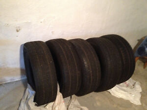 Set of 5 tires 255/75R17 Goodyear Wrangler SR-A m+s from a Jeep