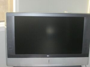 "Sony Wega 42"" in good working condition- good for spare room"