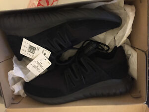 BRAND NEW WITH TAGS ADIDAS MENS TUBULAR RADIAL BLACK SHOES