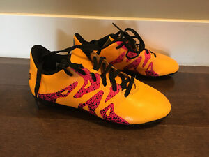 CHILDREN ADIDAS SOCCER CLEATS SIZE 1