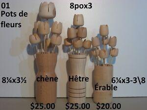 Pots et fleurs en bois