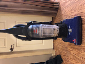 Bissell Vacuum, like new, barely used