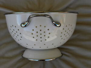 White Enamel Colander Strainer Metal London Ontario image 1