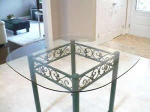 Glass dinette table