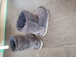 Toddler winter boots sizes 7 and 8