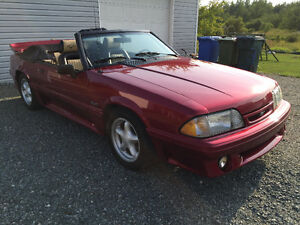 Ford Mustang 5.0 L convrtible 1989