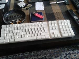 Apple wireless keyboard a1016