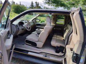 Ford F-150 4x4 - Needs some repairs