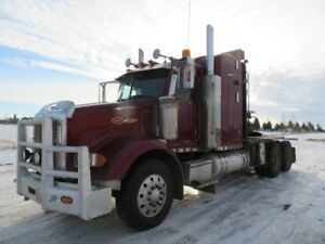 2005 PETERBILT 378 WINCH TRUCK W/BUNK AT www.knullent.com