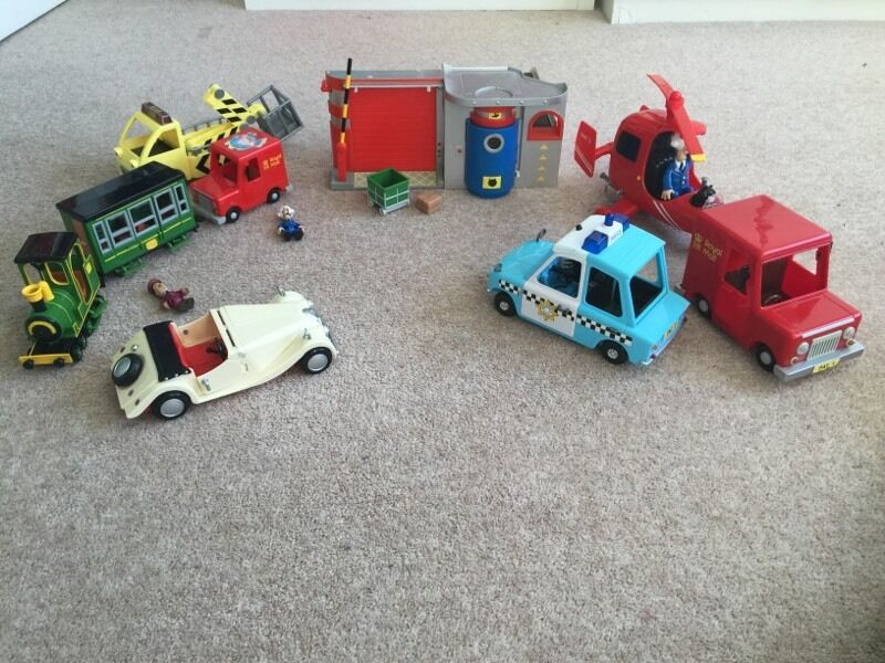 Postman pat bundle of toys inc very rare doctors car and police car