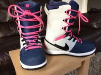 Ladies Nike Vapen snowboard boots UK4.5