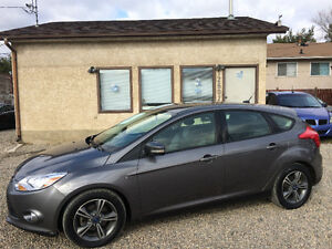 2012 FORD FOCUS SE, VERY CLEAN, SAVE SAVE ON FUEL! SUNROOF