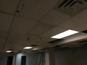 2x4 Fluorescent light fixtures bulbs include