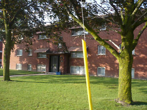 2 Bedroom Apartment ALL inclusive May 1st close to UW and WLU