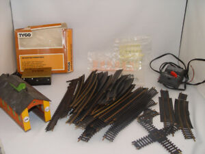 Vintage HO Train Track 50 Pcs Train Barn People Signs