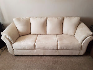 Selling Collier sofa