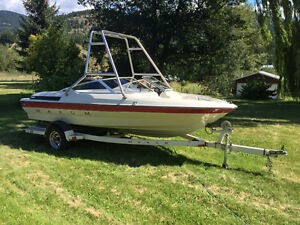1993 17' Maxum Bowrider With Wake Tower