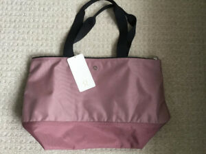 Lululemon Fundamental tote brand new with tag