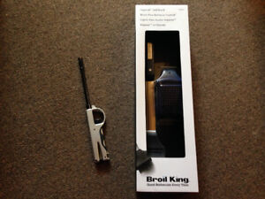 Broil King Barbecue bbq metal brush with refill and bbq lighter