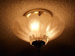 CRYSTAL CEILING LIGHT Cornwall Ontario image 2