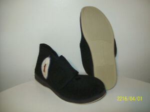 NEW ORiGiNAL FOAMTREADS HOUSE SHOES Size 11.5