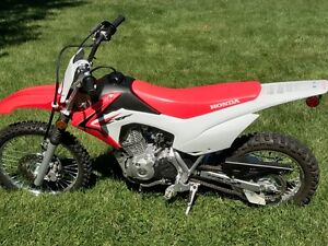 Like New !!  Honda CRF 125F