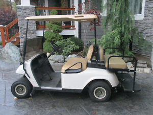 E-Z-Go GOLF KART LIKE NEW